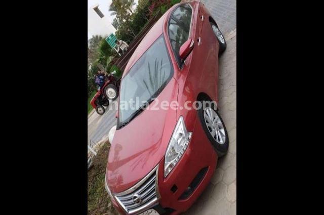 Sentra Nissan احمر غامق