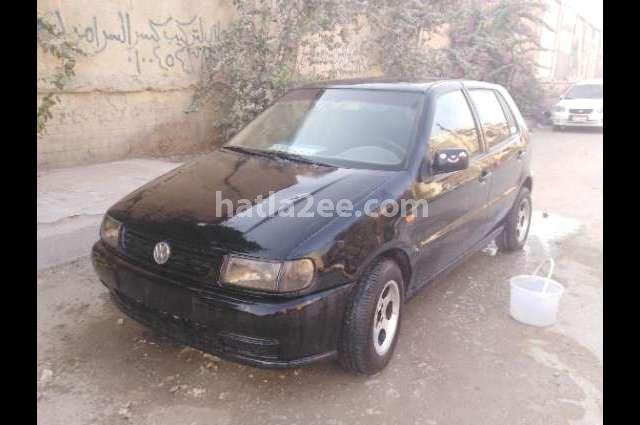 Polo Volkswagen أسود