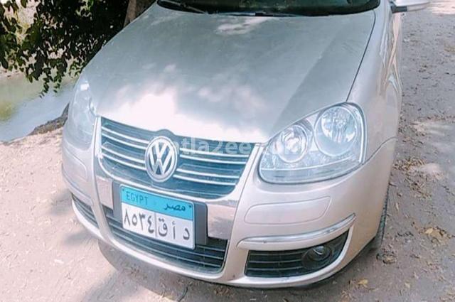 Jetta Volkswagen فضي