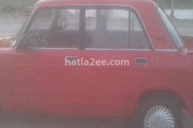 2107 Lada احمر