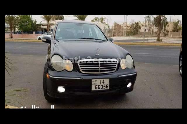 C 230 Mercedes أسود