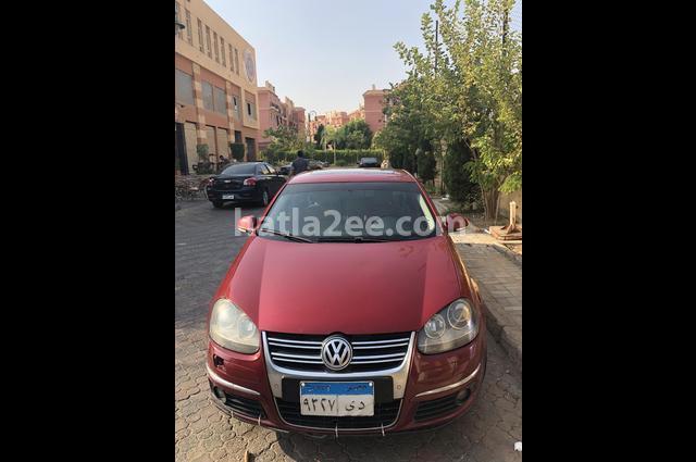 Jetta Volkswagen احمر
