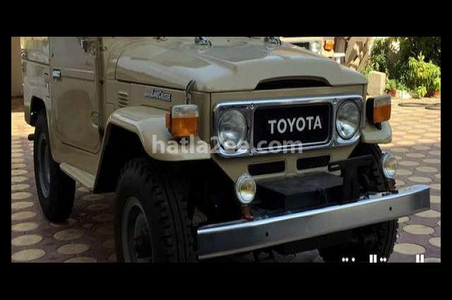 Land Cruiser Toyota بيج