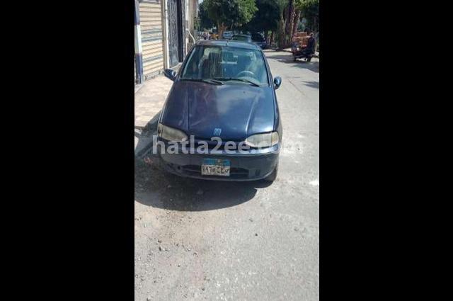 Siena Fiat أسود