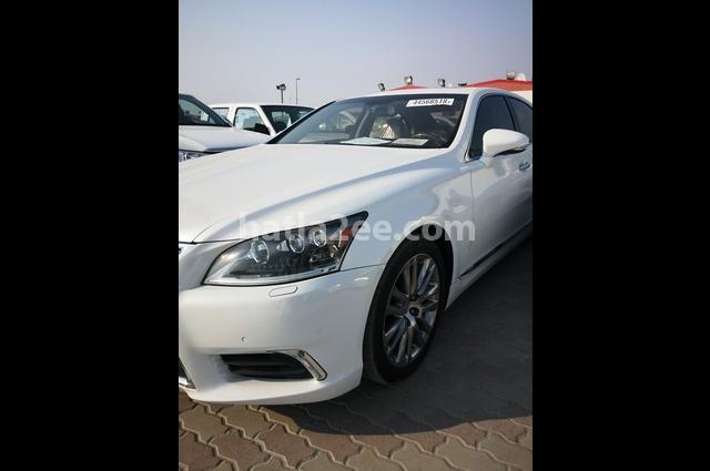 Ls Lexus أبيض