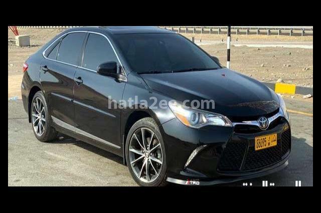 Camry Toyota أسود