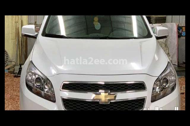 Malibu Chevrolet أبيض