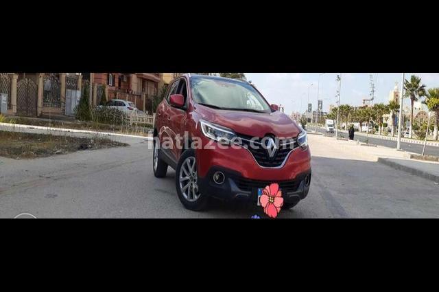 Kadjar Renault احمر غامق