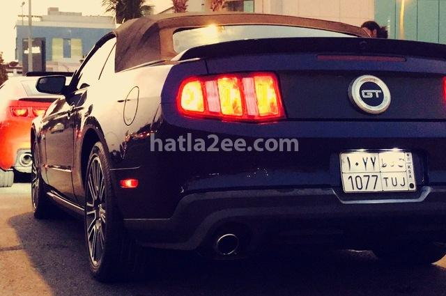 Mustang Ford أزرق