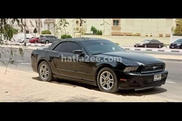 Mustang Ford أسود
