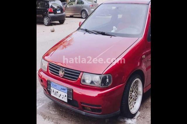 Polo Volkswagen احمر غامق