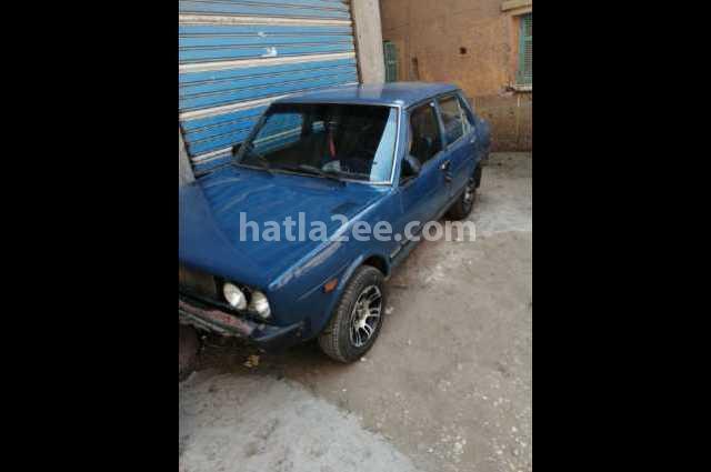 131 Fiat الأزرق الداكن