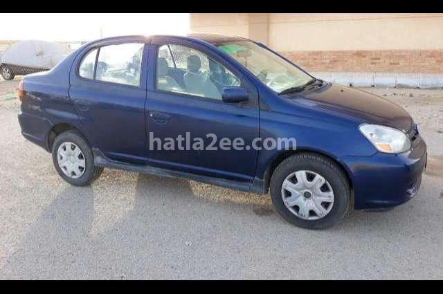 Echo Toyota أزرق
