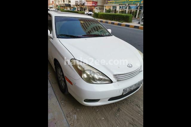 Es Lexus White