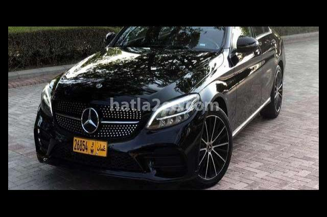 C 300 Mercedes أسود