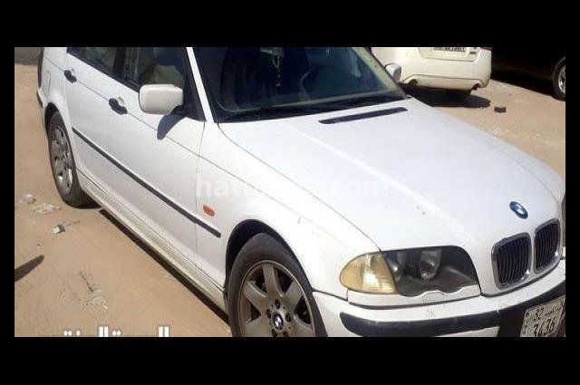 318 BMW أبيض