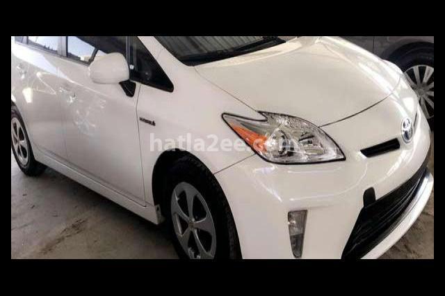 Prius Toyota White