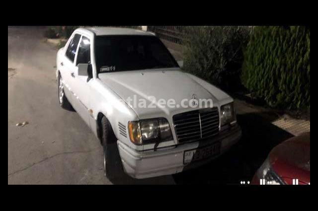 E 200 Mercedes أبيض