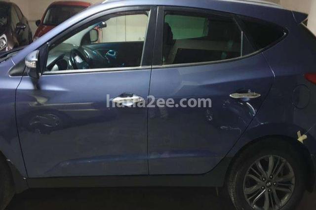 IX 35 Hyundai Dark blue