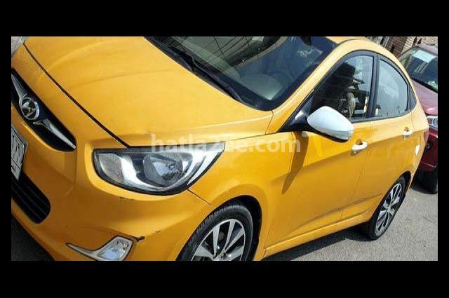 Accent Hyundai برتقالى