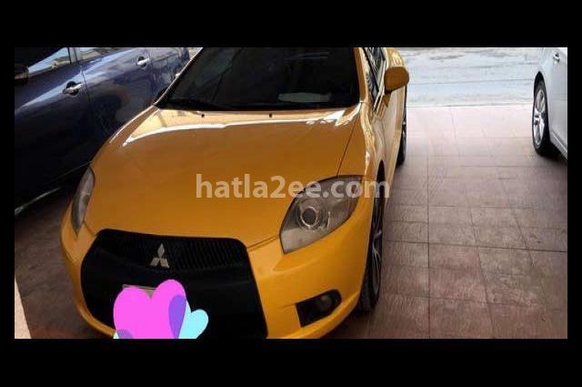 Eclipse Mitsubishi اصفر