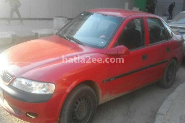 Vectra Opel احمر