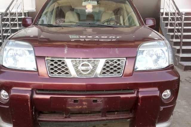 XTrail Nissan Red