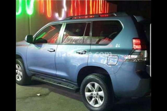 Prado Toyota أزرق