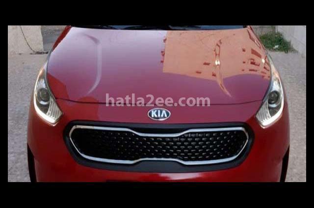 Prius Toyota احمر غامق
