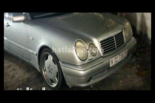E 550 Mercedes فضي