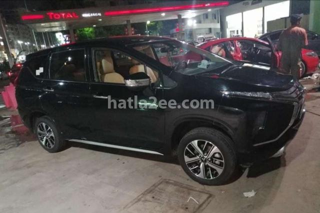 Xpander Mitsubishi أسود