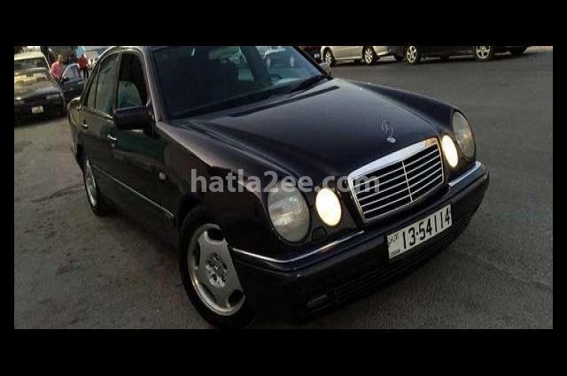 E 200 Mercedes أزرق