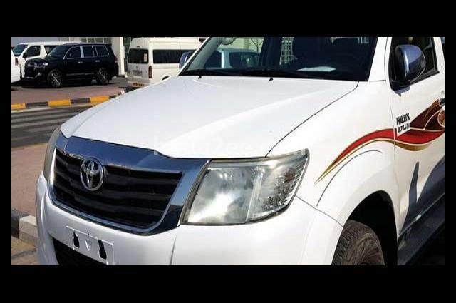 Hilux Toyota White
