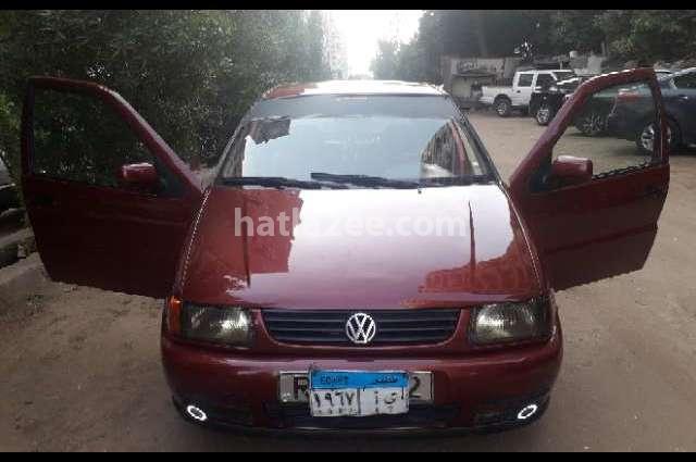Polo Volkswagen Dark red