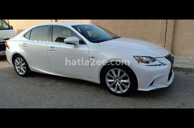 Is Lexus أبيض