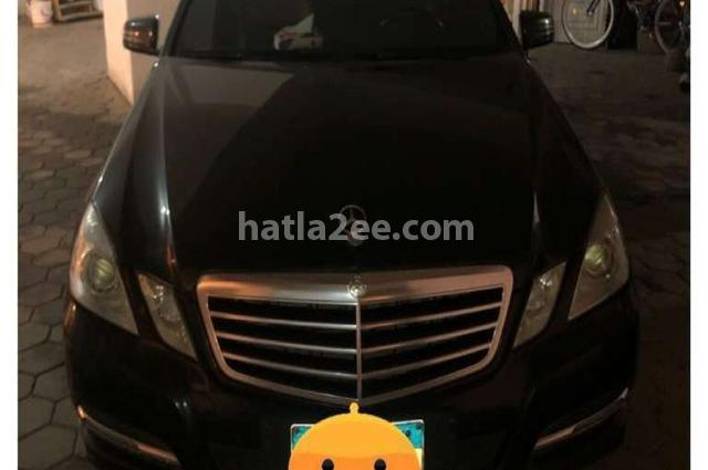 E 300 Mercedes أسود