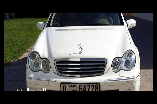 C 230 Mercedes White