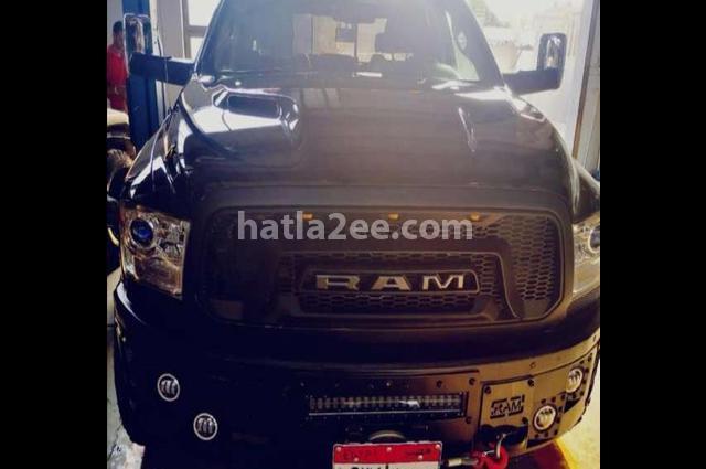 Ram Dodge أسود