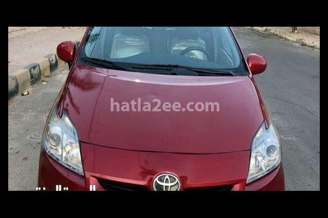 Prius Toyota Dark red