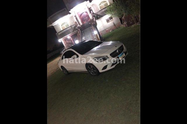 CLA 220 Mercedes أبيض
