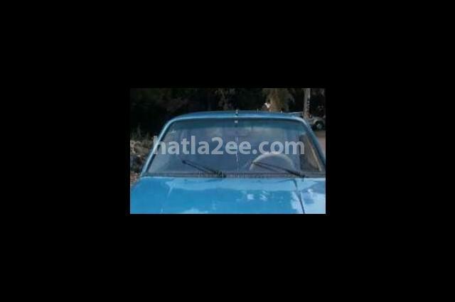 305 Peugeot أزرق
