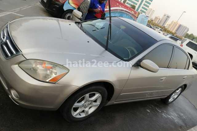 Altima Nissan Gray