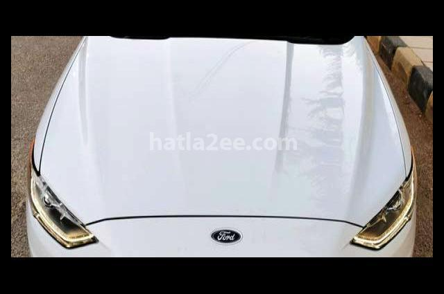 Fusion Ford White