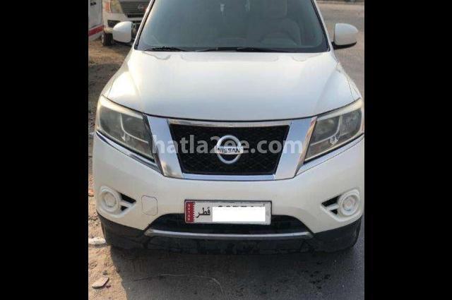 Pathfinder Nissan White