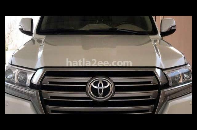Land Cruiser Toyota White
