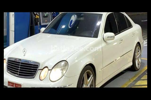 E 500 Mercedes White