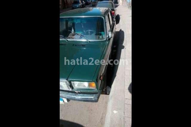 2107 Lada اخضر غامق