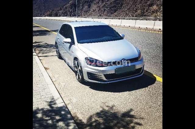 E Golf Volkswagen فضي