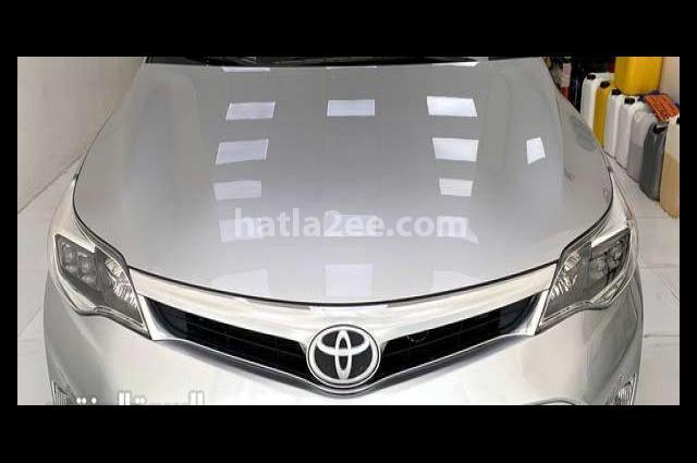 Avalon Toyota فضي