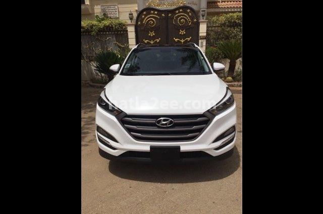 Tucson Hyundai أبيض
